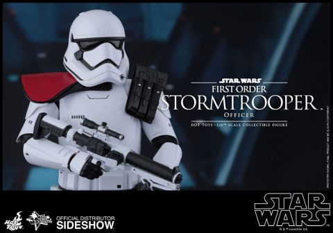 star-wars-first-order-stormtrooper-officer-sixth-scale-hot-toys-902603-10